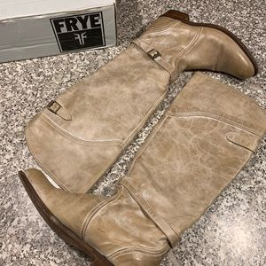 Frye light brown leather boots size 8 GUC